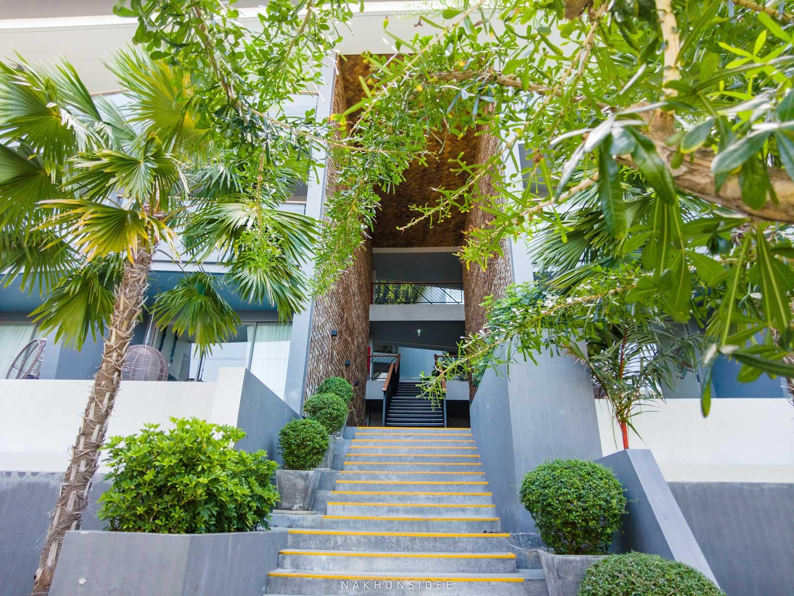 แอดเดินเล่นทั่วโรงแรมเลย-ชอบบบ  thesis,kata,ที่พักภูเก็ต,phuket,หาดกะตะ,เดอะซิสภูเก็ต