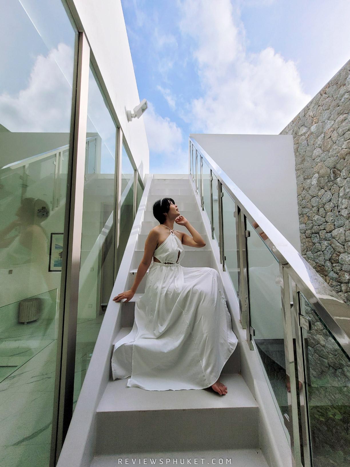 สไตล์มินิมอล บอกเลยว่ามาชุดไหนก็ถ่ายรูปสวย-แต่ที่สวยที่สุดต้องสีขาววว-เพราะรีสอร์ทวิลล่าเค้าสีขาวแบบว่าปังสุด paivilla,phuket,ที่พักภูเก็ต,สุดสวย