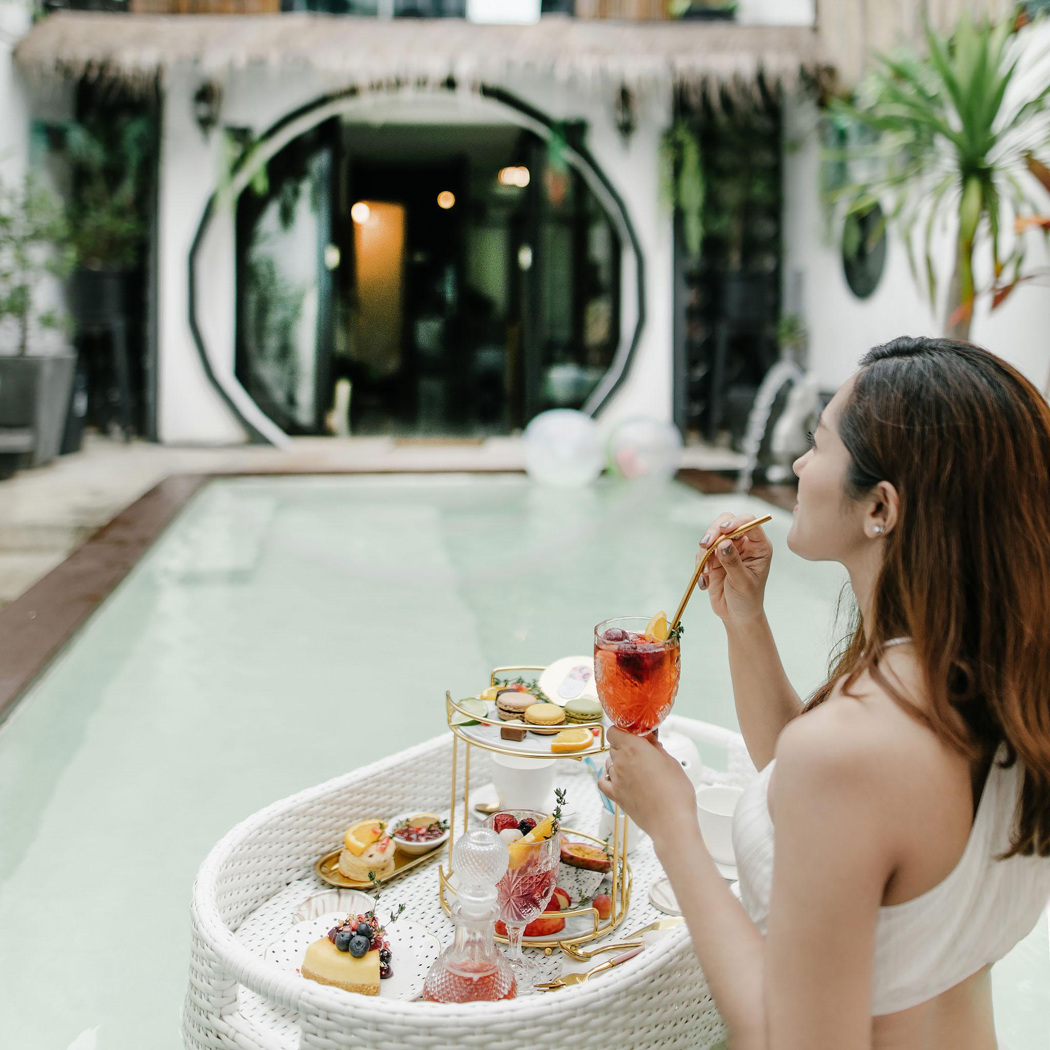 อาหารลอยน้ำหรู บอกเลยว่าจัดมาสวยแบบโรงแรม4-5-ดาวเลยครับ-แถมรสชาติทั้งเบเกอรี่-อาหาร-และเครื่องดื่มอร่อยด้วยน้าา-ฟินในฟิน ที่พักภูเก็ตเมืองเก่า,ชิโนโปรตุกีส,ที่พักเมืองเก่า
